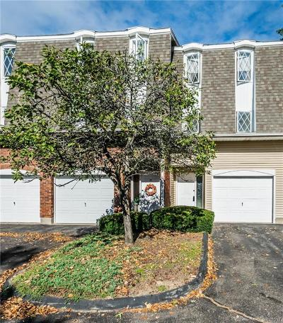 East Hartford Condo/Townhouse For Sale: 27 Northbrook Court #27
