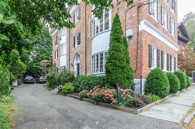 Fairfield Condo/Townhouse For Sale: 240 Main Street #240