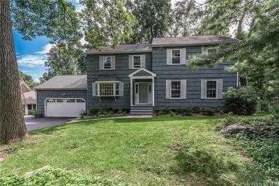 Norwalk Single Family Home For Sale: 122 Witch Lane