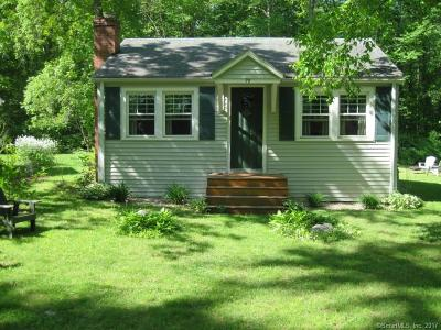 New London County Single Family Home For Sale: 76 Lakeview Heights