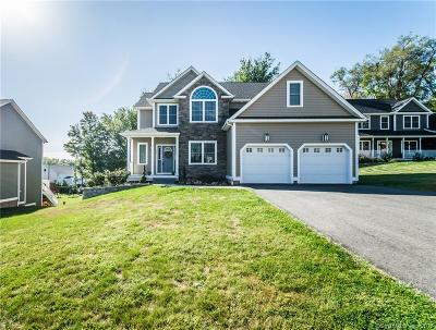 Southington Single Family Home For Sale: 88 Walkers Crossing