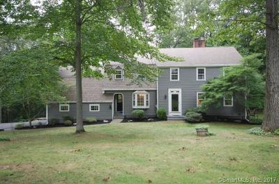 Ridgefield Single Family Home For Sale: 36 Revere Place