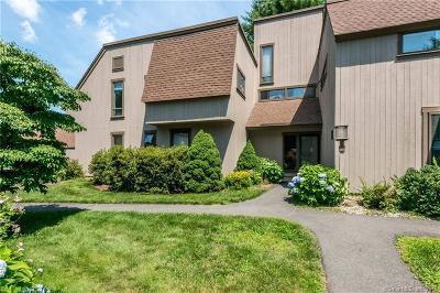 Farmington Condo/Townhouse For Sale: 115 Mallard Drive #115