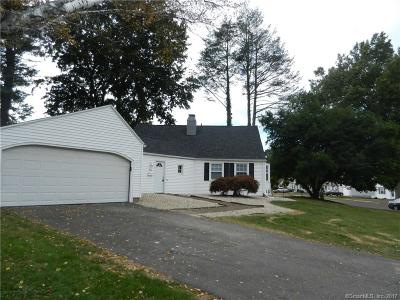 Newington Single Family Home For Sale: 35 Welles Drive