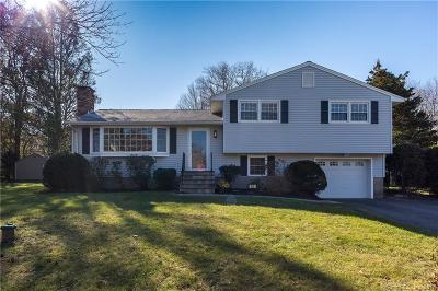 Watertown Single Family Home For Sale: 62 Wedgewood Drive