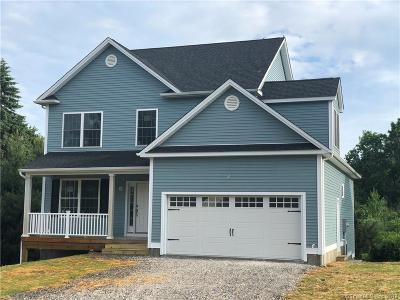 Naugatuck Single Family Home For Sale: 32 Olde Farm Lane