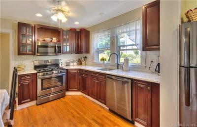 Branford Single Family Home For Sale: 25 Breezy Lane