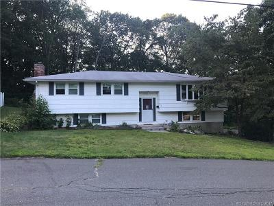 Waterbury Single Family Home For Sale: 385 Gaylord Drive