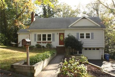 Ledyard Single Family Home For Sale: 27 Richard Road