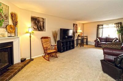 Hamden Condo/Townhouse For Sale: 900 Mix Avenue #18