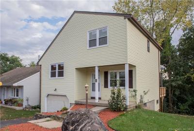Newington Single Family Home For Sale: 11 Sunnybrook Drive