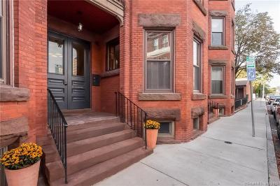 Hartford Condo/Townhouse For Sale: 5 Linden Place #A