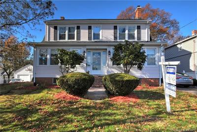 West Haven Single Family Home For Sale: 44 Crest Avenue