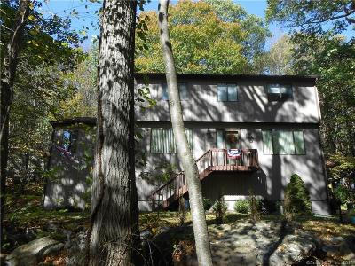 Shelton Single Family Home For Sale: 39 Mustang Drive