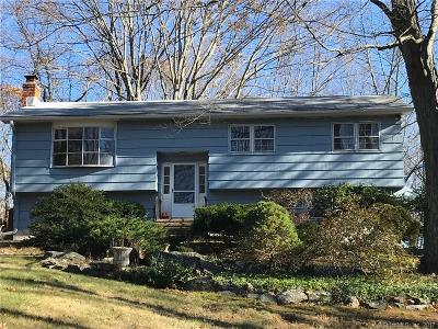 Southbury Single Family Home For Sale: 192 Strongtown Road