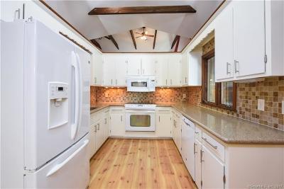 Avon, Farmington, Simsbury Single Family Home For Sale: 224 New Road