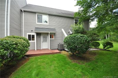 Simsbury Condo/Townhouse For Sale: 62 Hilltop Drive #62