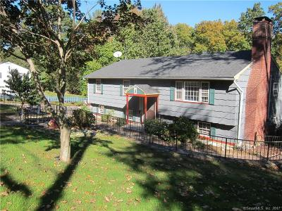 Shelton Single Family Home For Sale: 23 Quaker Ridge Road
