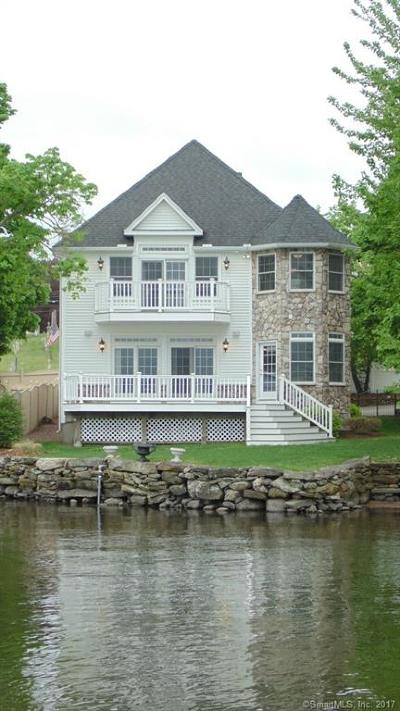 East Hampton Single Family Home For Sale: 43 East High Street