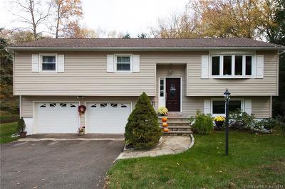 Bethel Single Family Home For Sale: 38 Deepwood Drive