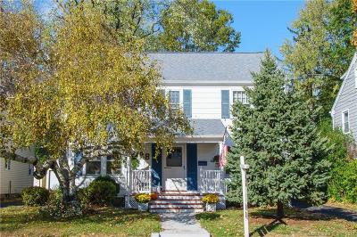 West Hartford Single Family Home For Sale: 28 Meadowbrook Road