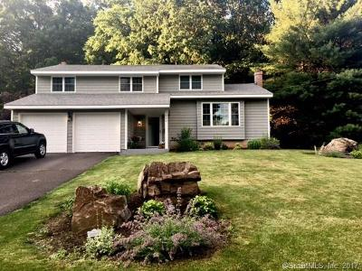 Newington Single Family Home For Sale: 256 Candlewyck Drive