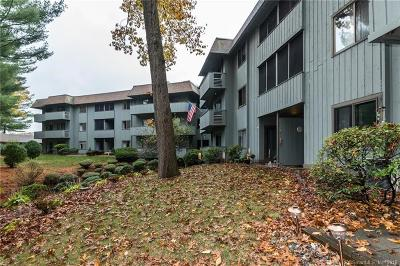 Southington Condo/Townhouse For Sale: 7 Hickory Hill #7