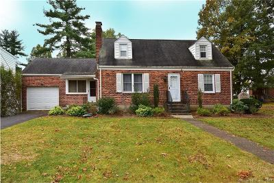 Newington Single Family Home For Sale: 17 Sunset Road