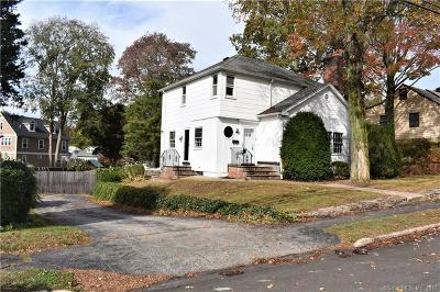 Norwalk Single Family Home For Sale: 25 Strawberry Hill Avenue