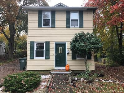 Milford Single Family Home For Sale: 19 Oakdale Street