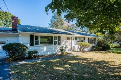 Hamden Single Family Home For Sale: 60 Apple Tree Lane