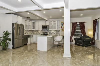 Trumbull Single Family Home For Sale: 33 Rocky Hill Road