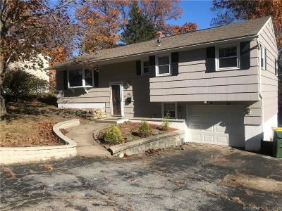 Waterbury Single Family Home For Sale: 54 Parklawn Drive