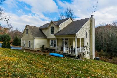 Burlington Single Family Home For Sale: 117 Vineyard Road