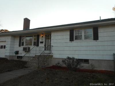 East Hartford Single Family Home For Sale: 93 Jefferson Lane