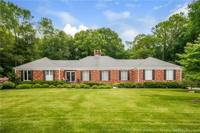 Stamford Single Family Home For Sale: 37 Carriage Drive