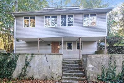 NEWTOWN Single Family Home For Sale: 90 Engleside Terrace