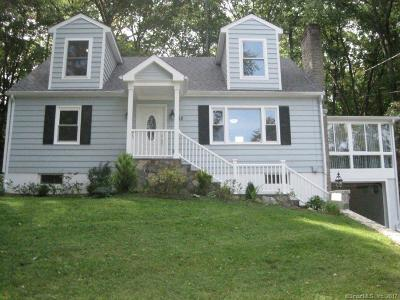 NEWTOWN Single Family Home For Sale: 52 Taunton Lake Road