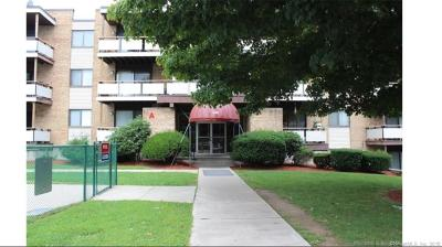 West Haven Condo/Townhouse For Sale: 155 Bull Hill Lane #105