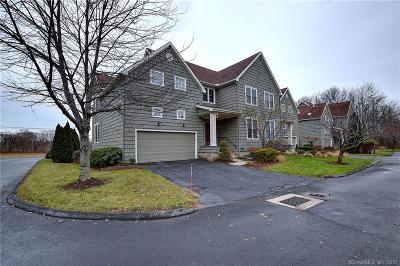 West Hartford Condo/Townhouse For Sale: 2 Harwich Lane #2