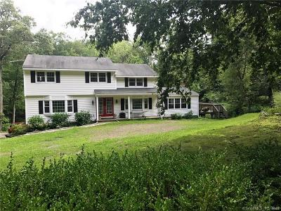 Ridgefield Single Family Home For Sale: 9 Twixt Hills Road
