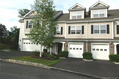 Middlebury Condo/Townhouse For Sale: 8 Ridgewood Drive #8