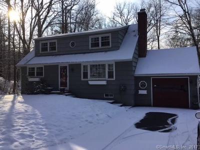 Ridgefield Single Family Home For Sale: 542 Bennetts Farm Road