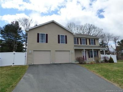 Waterbury Single Family Home For Sale: 52 Emerald Pines Road