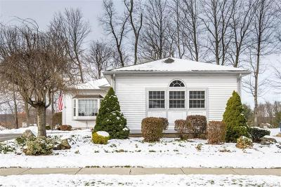 Berlin Single Family Home For Sale: 215 Hawthorne Drive #215