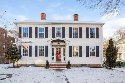 West Hartford Single Family Home For Sale: 15 North Quaker Lane