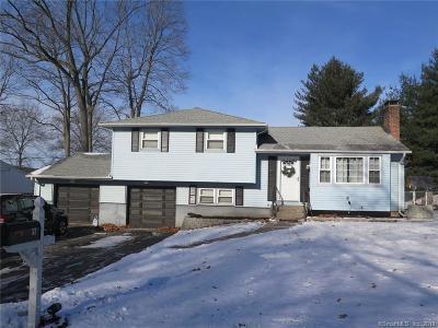 Meriden Single Family Home For Sale: 32 Pine Tree Ridge