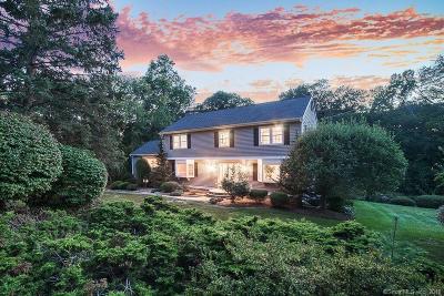 Trumbull Single Family Home For Sale: 107 Aspen Lane
