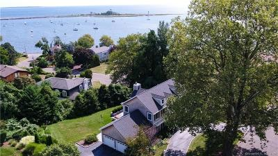 Bridgeport Single Family Home For Sale: 35 Battery Park Drive