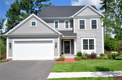 Simsbury Single Family Home For Sale: 102 Carson Way